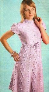 Lila Kleid mit Diamanten