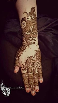 Simple and easy mehndi designs for hands Mehndi Designs 2018, Modern Mehndi Designs, Mehndi Design Pictures, Mehndi Designs For Fingers, Beautiful Mehndi Design, Henna Tattoo Designs, Bridal Mehndi Designs, Mehndi Images, Mehandi Designs