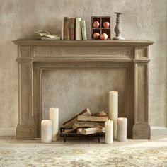 Eine Kaminkonsole mit Kerzen oder Holzscheiten gestagt, verbreitet ein wohliges Gefühl beim Besichtiger....