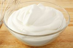 Clean Eating Whipped Topping ~ This delicious topping is a clean eating food and made from one of the healthiest superfoods on earth, the coconut. ~ Dairy Free and Gluten Free Cool Whip Frosting, Whipped Frosting, Whipped Topping, Nutella, Healthy Desserts, Dessert Recipes, Pie Dessert, Vegan Recipes, Cooking Recipes