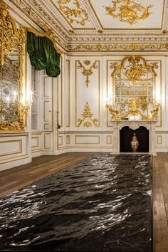 French designer Mathieu Lehanneur has convincingly sculpted blocks of black marble to look like the sea for an installation at the V&A museum