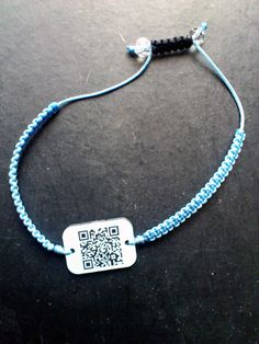 Flash Me Find Me: a great wearable tech gadgets that allows you to communicate via a unique QR Code! @FLASH ME FIND ME