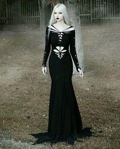 Gothic and Amazing Gothic Girls, Hot Goth Girls, Witch Fashion, Dark Fashion, Gothic Fashion, Steampunk Fashion, Emo Fashion, Beautiful Dresses, Nice Dresses