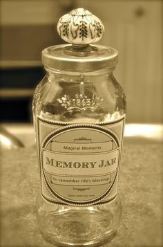 Create a memory jar with all the year's favorite moments, achievements, lol's and etc. open and read next New Years Eve! Happy Jar, Diy Crafts Vintage, Partys, 40th Anniversary, Mom Birthday, New Years Eve Party, Graduation Parties, Graduation Decorations, Graduation Ideas