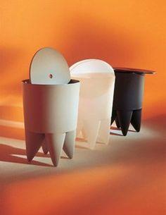 """Tabouret/coffre """"Bubu"""" par Philippe Starck, Edition XO chez Silvera - Objets déco à double fonction - Un tabouret qui se convertit en coffre. Pratique pour ranger ses petites affaires. Tabouret/coffre """"Bubu"""" par Philippe Starck, en polypropylène de couleur, environ 54,50 €..."""