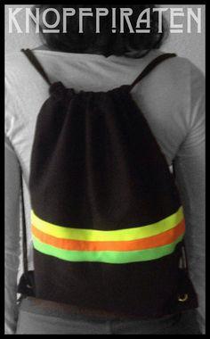 """CITY-SURFERbag """"WaveStripes"""" OZEANO  www.facebook.com/knopfpiraten #turnbeutel #handmade #hipster #beutel #neon #stoffbeutel #strandbeutel Material Baumwolle /SchwarzMaße 32 x 40 cm"""