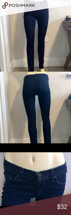 Rag & Bone / Jean Skinny Jeans Classic skinny jean with a 5-pocket silhouette. Good used condition. True skinny jean with a dark wash. Retail for $198.
