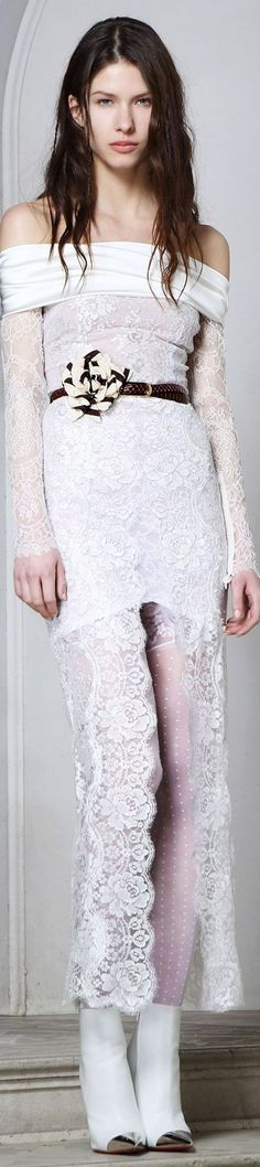 Alessandra Rich Fall 2014 Ready-to-Wear Fashion Show White Fashion, New Fashion, Fashion Show, Womens Fashion, Bohemian Style, White Lace, Ready To Wear, Gowns, Formal Dresses