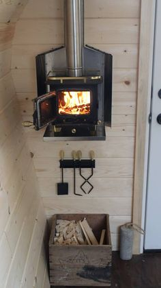 Tiny Cabins, Tiny House Cabin, Tiny House Living, Tiny House Design, Tiny House Wood Stove, Tiny Houses, Rustic Cabins, Log Cabins, Dog Houses