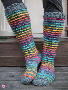Välillä taas neulottu vähän puikoillakin! Voihan villasukka-facebookryhmä on ehdottomasti yksi parhaista inspiraation lähteistä mitä ne... Diy Crochet And Knitting, Crochet Socks, Knitting Socks, Hand Knitting, Knitting Patterns, Wool Socks, Sock Yarn, Womens Slippers, Knitting Projects