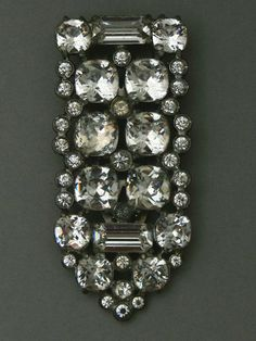 Large Eisenberg Original 1930s/40s Art Deco rhinestone dress clip - Glitzmuseum