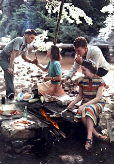 c. 1930s Hotdog BBQ cookout. http://www.howtobearetronaut.com/wp-content/uploads/2011/05/Tennessee-Two-couples-have-a-cookout-in-Cherokee-National-Forest.jpg