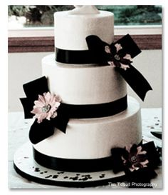 black and white wedding cake images 1000 images about cakes black amp white 1 on 11844