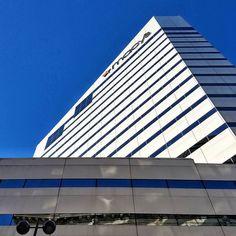 Macy's office building ... ... #usa #ohio #Cincinnati #cincygram #igerscincinnati #citykillerz #justgoshoot #cityscape #storefront #leadinglines #sidewalk #cincishooters #ig_captures_city #ig_cincinnati #ohioexplored #ig_captures #exploreohio #wanderohio #architecture #samsungphoto #mobilemag #macys #instagood #archporn #bluesky #reflection #ipreview @preview.app @macys #retail