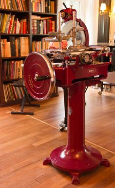 Berkel a way of life Meat Slicers, Budapest, Special Gifts, Home Appliances, Prosciutto, Vintage, House Appliances, Appliances, Vintage Comics