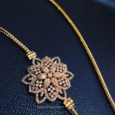 Thaali mugappu Beaded Jewelry Designs, Jewelry Design Earrings, Gold Earrings Designs, Gold Jewellery Design, Gold Chain Design, Gold Jewelry Simple, Jewelry Model, Fashion Jewelry, Gold Mangalsutra