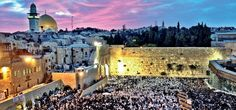Um dos poucos sítios em Israel que combina tanto santidade quanto orgulho sionista fica na Cidade Velha de Jerusalém; é o Muro Ocidental.