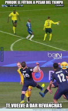 837635 - El árbitro le tenía guardada una al Barça