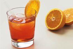 Aperol Spritz mit Erdbeer Himbeer Rhabarber Tee » Einfach Lecker » Rezeptideen für jeden Tag » Rezeptideen für jeden Tag Cocktails, Drinks, Aperol, Prosecco, Pint Glass, Fruit, Tableware, Lipton, Food