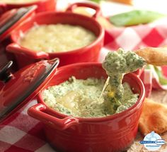 What& always a hit at gatherings? Herb and Garlic Spinach Dip! Herb and Garlic Touch of Philly shredded cheese adds a warm and inviting layer to this tangy, flavourful and versatile dip! Dip Recipes, Snack Recipes, Cooking Recipes, Snacks, Easy Recipes, Garlic Spinach, Spinach Dip, Garlic Dip, Recipes