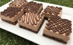 Nutellás brownie szeletek recept Nadett konyhájából - Receptneked.hu Nutella, Latte, Favorite Recipes, Food, Essen, Meals, Yemek, Eten