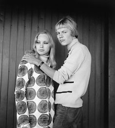 Helsinki, Young Couples, Vintage Images, Black And White Photography, Old Photos, Finland, Vintage Fashion, Culture, Marketing
