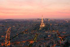 https://flic.kr/p/fMcAXC   Paris, from Montparnasse Tower   La tour Montparnasse, également appelée tour Maine-Montparnasse, est un gratte-ciel situé dans le quartier Necker (15e arrondissement) de Paris. Sa hauteur, de 210 m suivant les sources, en fait pendant longtemps l'immeuble le plus haut de France, avant l'achèvement de la tour First en 2011. Elle fut conçue par les architectes Jean Saubot, Eugène Beaudouin, Urbain Cassan et Louis de Hoÿm de Marien. ____________ Tour…