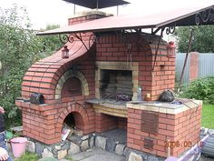 oven - off edge of porch on kitchen side, all wood burning, no gas - ovens, grills, ice chest - outdoor kitchen that can be used when without power. Backyard Kitchen, Summer Kitchen, Backyard Bbq, Pizza Oven Outdoor, Outdoor Cooking, Outdoor Kitchens, Outdoor Entertaining, Brick Bbq, Wood Fired Oven