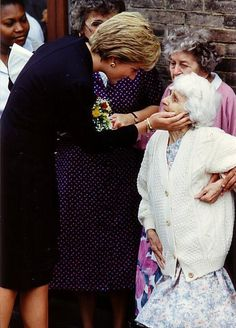 Princess Diana ~ such a sweet photo.