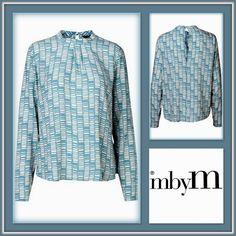 ( ͡° ͜ʖ ͡°) Nieuwe Collectie ( ͡° ͜ʖ ͡°) October is een blouse van mbyM met een super vrouwelijke snit. De top heeft een ronde hals met een discreet colletje en kleine plooitjes in het voorpand op de borst. October is een blouse met lange mouwen. De leuke print in blauwtinten geven een luchtige uitstraling. Materiaal: 100% Viscose, mag op 30 graden in de wasmachine.
