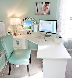 While most colors are either cool or warm, turquoise, says Olson, can be both. It's energizing as well as soothing, she says. I think this energy comes from the fact that it's the color of the ocean. In decorating your own home, remember the versatility of the color in its various shades, from robin's egg blue to pale green.