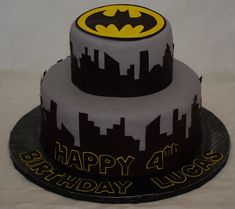 When you're celebrating a grown-up occasion, you deserve a grown-up cake. This beautiful creation with a touch of Batman theme to it will certainly be finger licking good. Batman Birthday Cakes, Batman Cakes, Batman Party, Birthday Desserts, 4th Birthday Parties, Birthday Fun, Batman Grooms Cake, Batman Food, Cupcake Cakes