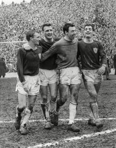 Gordon Banks celebrates with his Leicester City teammates as they reach the FA Cup Final in 1963 1966 World Cup Final, Liverpool Goalkeeper, Gordon Banks, Success Pictures, World Cup Winners, Fa Cup Final, Stoke City, Three Kids, Leicester