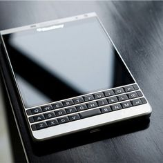 BlackBerry Passport SE Blackberry Passport, Blackberry Z10, Tech Gadgets, Cool Gadgets, Blackberry Mobile Phones, Top Smartphones, Kiosk Design, Best Mobile Phone, Ipad