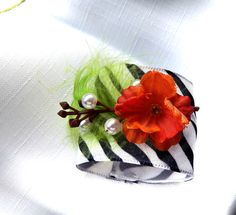 RED BLACK WHITE  -  NO REPLY NEEDED by Carol on Etsy