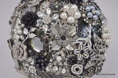 Old Hollywood Brooch Bouquet by Blue Petyl #bridal #bouquet