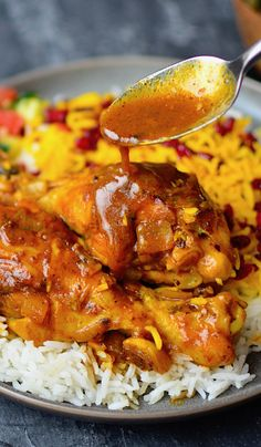 Yammie's Noshery: Persian Saffron Chicken {Zereshk Polo Ba Morgh} Food Recipes For Dinner, Food Recipes Homemade Indian Food Recipes, Ethnic Recipes, Arabic Recipes, Arabic Chicken Recipes, Moroccan Food Recipes, Lebanese Food Recipes, Eastern Cuisine, Cooking Recipes, Gastronomia