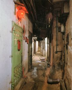 3 Unconventional Things To Do In Hong Kong Hong Kong, Kowloon Walled City, Alleyway, Slums, Shadowrun, Environmental Art, Future City, Wonders Of The World, Abandoned