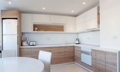 Examine this significant picture in order to take a look at the provided knowledge on Kitchen Worktop Ideas Kitchen Room Design, Modern Kitchen Cabinets, Kitchen Cabinet Design, Kitchen Layout, Home Decor Kitchen, Interior Design Kitchen, Kitchen Worktop, Small Modern Kitchens, Beach House Kitchens