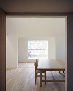 Tamotsu Teshima - House in Imbe, Okayama 2012. Via, photos © Masao Nishikawa.