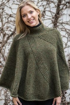 1572 Poncho Mayflower Sky eller Easy Care Big - Køb billigt her Knitted Cape, Knitted Poncho, Knitted Shawls, Sleeves Designs For Dresses, Poncho Knitting Patterns, Crochet Clothes, Knit Crochet, Turtlenecks, Fashion