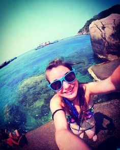 Koh Tao  2014.  #kohtao #kohtaoisland #solotravel #solotrip #bluewater #paradise #coindeparadis #eauturquoise #beach #dreadgirl #dreadlocks #dreads #syntheticdreads #dreadhead #paradis #thailande #thailand_allshots #thailand #thai #sun #holiday #bluesunglasses #rock #rockclimb #goodvibes #landscapephotography #landscapelovers #landscape_captures #landscaper #piercinggirl #girlwithdread #girlwithpiercings #labretvertical #fisheye #fisheye_effect #undercutgirl #undercut #smile