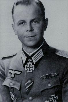 Oberstleutnant Christian Sonntag (1910-1945), Kommandeur Grenadier Regiment 248, Ritterkreuz 12.02.1944, Eichenlaub (573) 05.09.1944