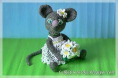 Lalka Crochetka: Mouse with camomiles ... Mysz z rumiankami