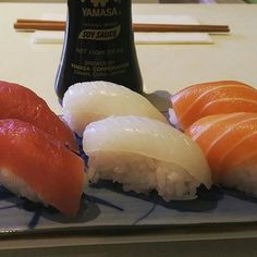 Nada como unos deliciosos #Nigiris para matar el antojo Cuál es tu favorito? #Nigiri #Tatakitrasnocho #Tataki #Sushi #Sushilover #Sushitime by tatakitrasnocho