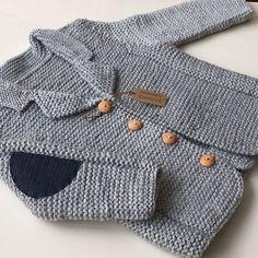 Likes, 45 Kommentare - Zümr . Baby Boy Knitting, Knitting For Kids, Baby Knitting Patterns, Baby Patterns, Crochet Coat, Crochet Jacket, Crochet Baby, Baby Boy Cardigan, Baby Coat