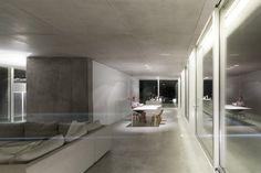 House Rainha by Bruno Erpicum