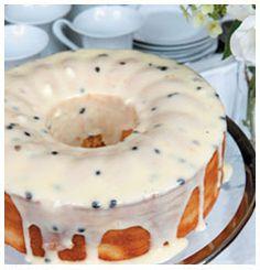 Vanilla Cake with Granadilla Cream Cheese Topping SA Favourites Recipes Köstliche Desserts, Delicious Desserts, Dessert Recipes, Yummy Food, Fruit Recipes, Food Cakes, Cupcake Cakes, Bunt Cakes, Cupcakes