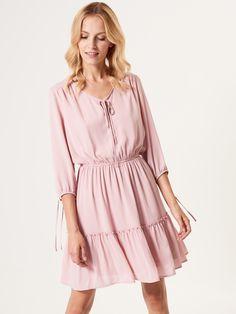 Zwiewna sukienka z ozdobnymi guzikami, SUKIENKI, KOMBINEZONY, rÓŻowy, MOHITO