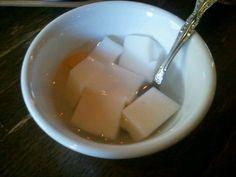9/12 中国茶房8 デザートは二種類あってどちらも食べ放題。 こちらは定番の杏仁豆腐。